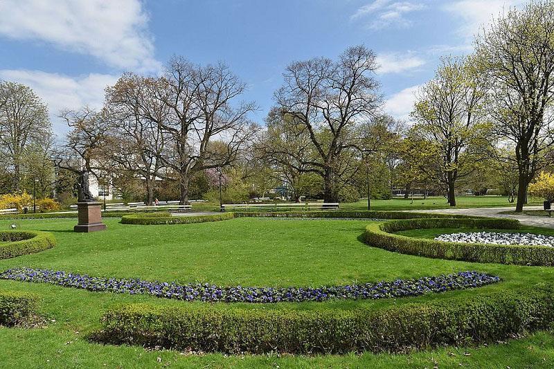 Park Ujazdowski 1