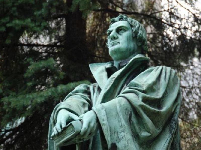 Pomnik Marcina Lutra 1