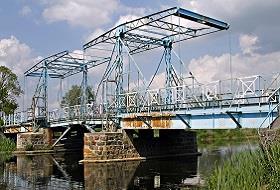 Most Zwodzony w Jeziorze