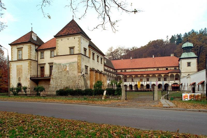 Zamek w Suchej Beskidzkiej  1