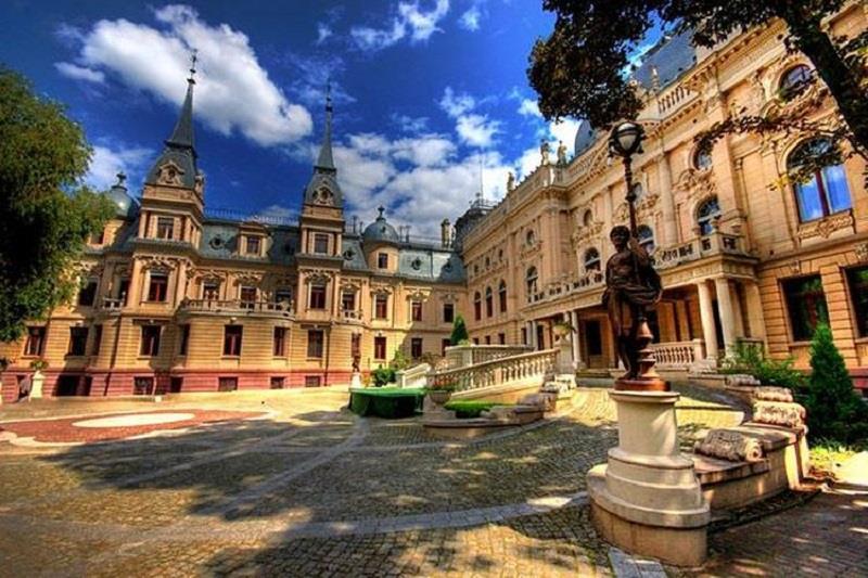 Pałac Izraela Poznańskiego  2