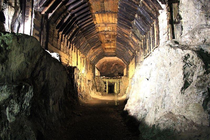 Podziemne miasto Osówka 1