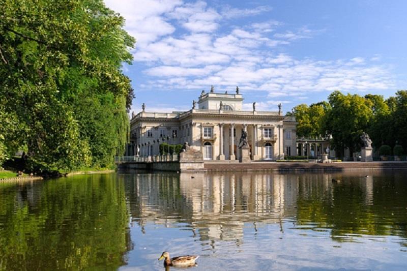 łazienki Królewskie Najlepsze Atrakcje Polski Noclegi