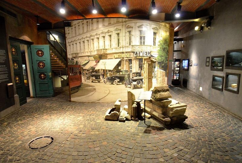 Muzeum Powstania Warszawskiego 1