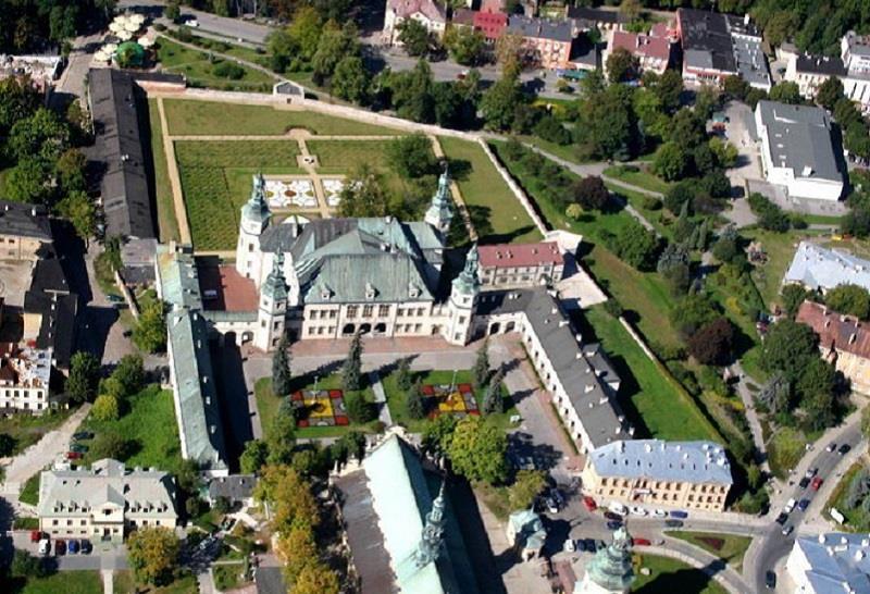 Pałac Biskupów Krakowskich 2