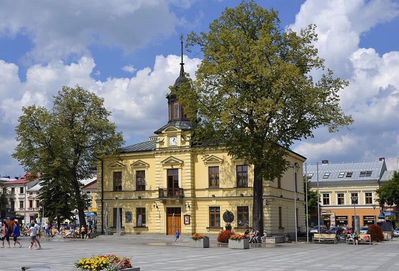 Ratusz Nowy Targ 1